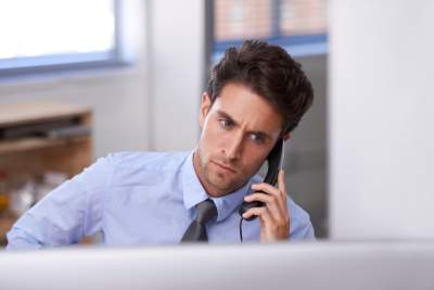 listening on dealing with an angry customer on the phone