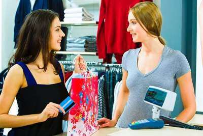 how to approach customers in retail sales